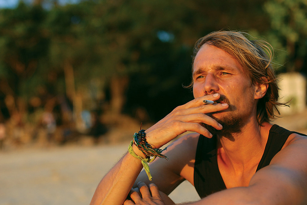 Yanui Beach and a sunset cigarette